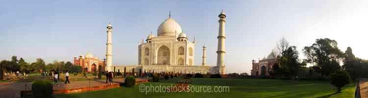 Mosque,Taj Mahal and Jawab