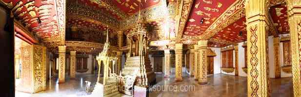 Wat Haw Pha Bang Doors